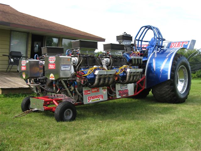 australian tractor pulling with kelvin jobling. Black Bedroom Furniture Sets. Home Design Ideas